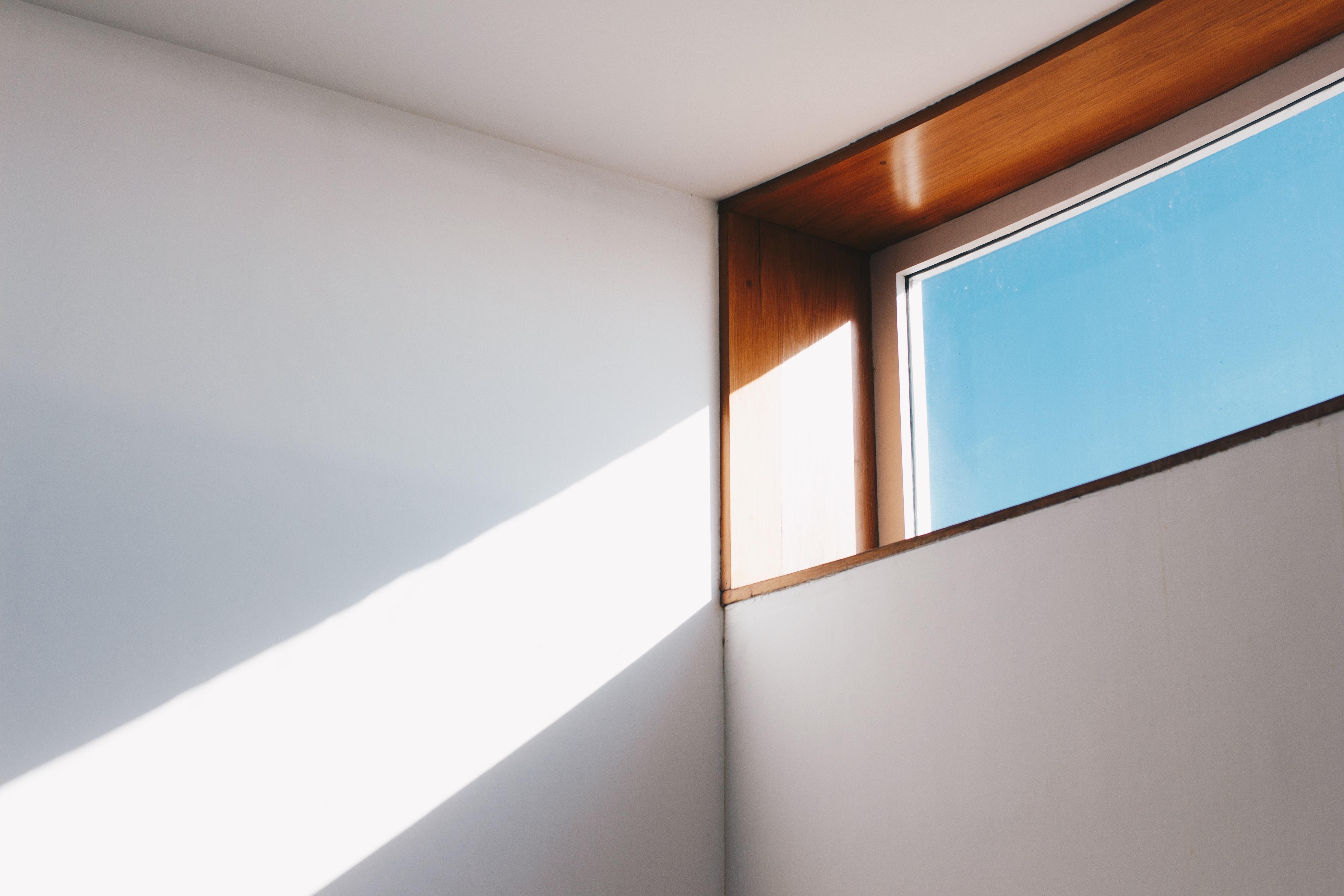 Brak okien w pomieszczeniach- manipulacja?
