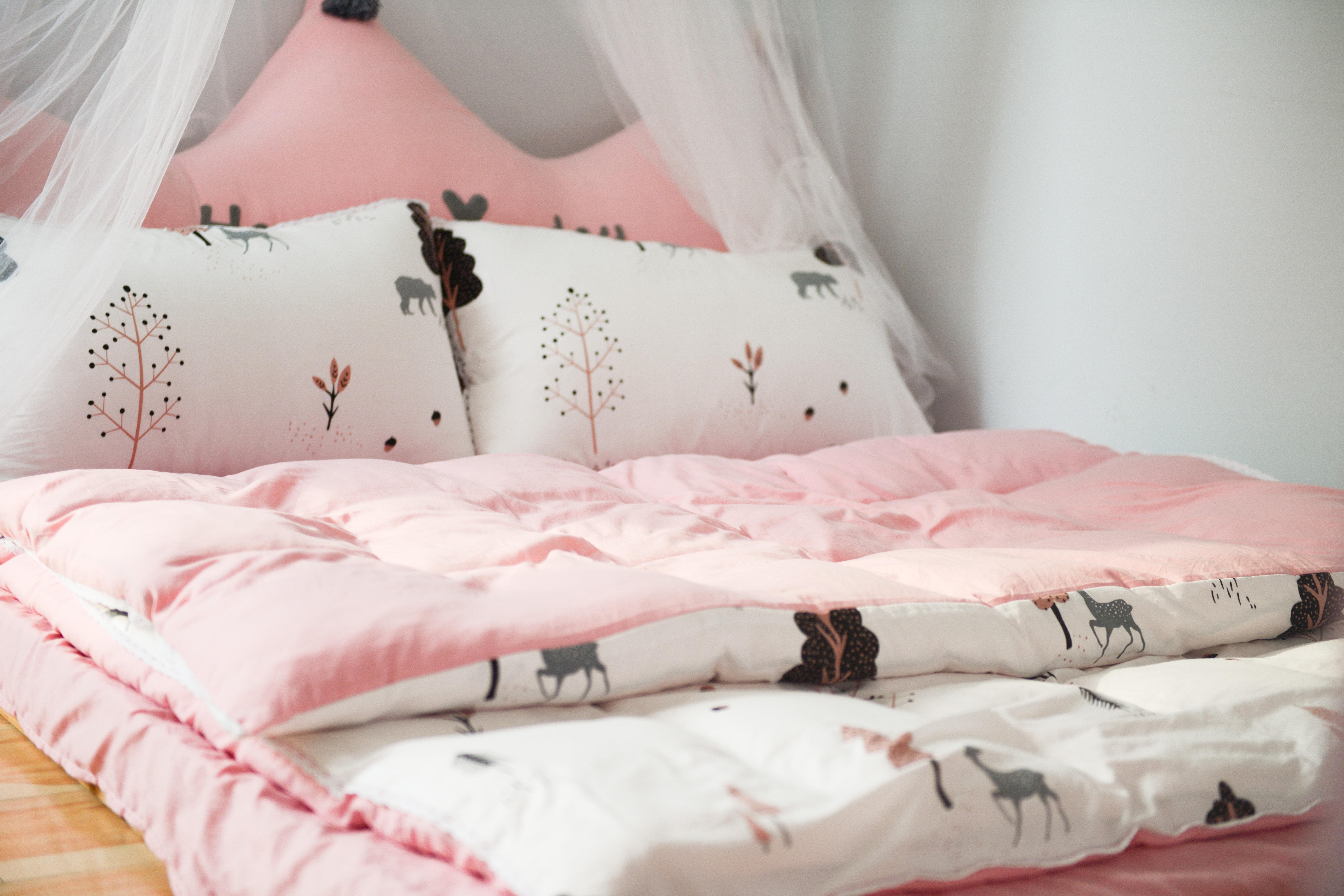 Na jakie kołdry i poduszki warto postawić?