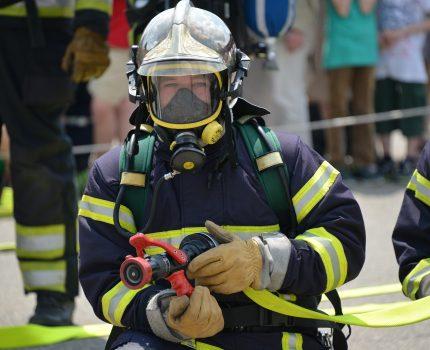 Jak dobrze zabezpieczyć dom przed ogniem