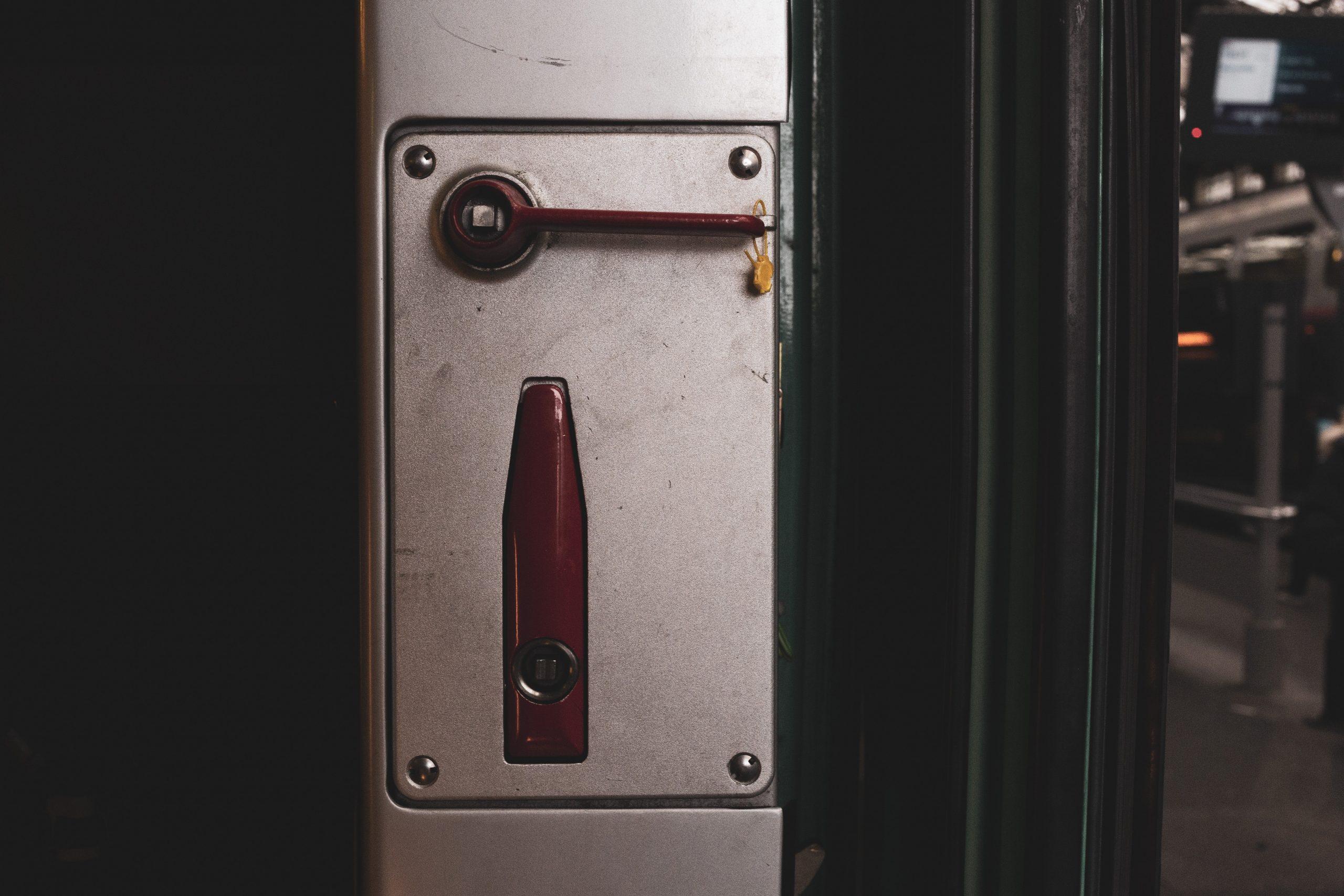Skrytki depozytowe – co trzeba wiedzieć?